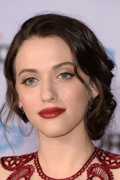 Kat Dennings.  I love her makeup.She wears the best shades of red. #newyearstylechallenge #makeup