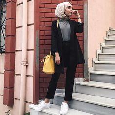 black blazer with wide pants-Fashionista winter hijab fashion – Just Trendy Girls Modern Hijab Fashion, Street Hijab Fashion, Hijab Fashion Inspiration, Muslim Fashion, Modest Fashion, Fashion Outfits, Stylish Hijab, Casual Hijab Outfit, Hijab Chic
