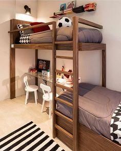 Quarto menino l Destaque para a beliche com espaço para estudo embaixo. Ficou lindoooooo. Projeto Suíte Arquitetos #boy #quartodemenino #bedroom #boyroom #decoracion #decorating #arquitetura #interiordesign #beautiful #menino #cool #amazing #homedecor #instadecor #decor #criative #brinquedo #instaboy #blogfabiarquiteta #fabiarquiteta