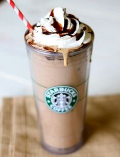 23 Bebidas secretas que puedes pedir en Starbucks ⋮ Es la moda