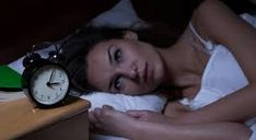 After reading this article you will learn to fall asleep in one minute. All you need is to remember these simple tricks when you're sta. Insomnia Help, Insomnia Remedies, How To Fall Asleep Quickly, Sleep Issues, Pressure Points, Improve Yourself, Health, Voici, Porto