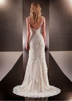 Elegant Polka Dot Tulle V-neck Neckline Natural Waistline Sheath Wedding Dress With Beaded Lace Appliques