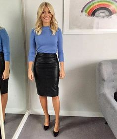 This Morning host Holly Willoughby is known for her figure-hugging pencil skirts and elegant fashion. Take a look at her best outfits from the show. Mode Outfits, Office Outfits, Fashion Outfits, Office Attire, Casual Outfits, Pencil Skirt Outfits, High Waisted Pencil Skirt, Pencil Skirts, Pencil Dresses