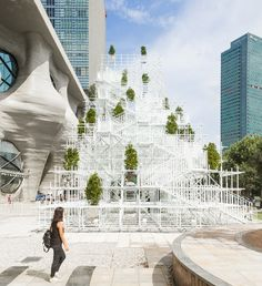 This white scaffold pavilion is used for presentations but can also be climbed to gain perspective