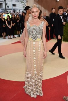 Kate Bosworth In Dolce & Gabbana. #MetGala