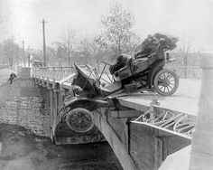 Crashes accident fail Lancienne vintage ancient history featured Photo 04