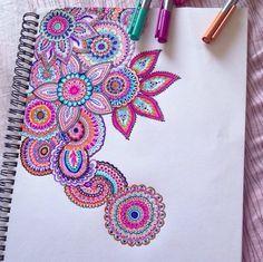 Flowers and paisley zentangle mandala Doodle Art, Doodle Drawings, Flower Drawings, Zen Doodle, Zentangle Patterns, Zentangles, Easy Zentangle, Doodle Patterns, Arte Sharpie