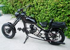 Photos of custom motorized bicycles.See OCC Schwinn Stingray choppers we've motorized.Also rat rods & cruisers, e-bikes or ones with gas and electric motors. Bike Chopper, Mini Chopper Motorcycle, Womens Motorcycle Helmets, Motorized Bicycle, Bmx Bicycle, Bicycle Girl, Electric Bike Kits, Gas And Electric, Gas Powered Bicycle