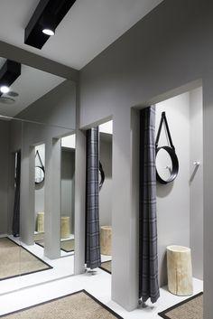 Riccovero fashion store by Scenario Interior Architects, Oslo store design Boutique Interior, Shop Interior Design, Retail Design, Interior Design Inspiration, Store Design, Visual Merchandising, Retail Concepts, Store Windows, Retail Interior