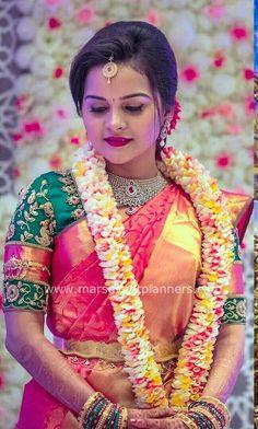 Turkish Wedding, Indian Wedding Bride, Indian Bridal, Indian Weddings, Gold Wedding, Flower Garland Wedding, Flower Garlands, Wedding Garlands, Wedding Flowers