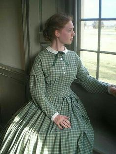 Plaid dress, sleeve caps and cuffs on bias, small white collar and ribbon, bodice has pleats for fitting. Civil War Fashion, 1800s Fashion, Victorian Fashion, Vintage Fashion, Pioneer Dress, Vintage Dresses, Vintage Outfits, Old Fashion Dresses, Civil War Dress