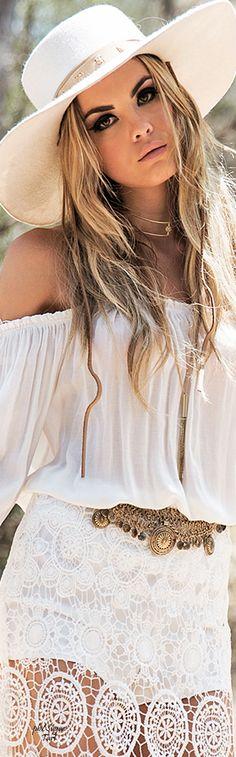 Haute and Rebellious • ≫∙∙☮ Bohème Babe ☮∙∙≪• ❤️ Babz™ ✿ιиѕριяαтισи❀ #abbigliamento #bohojewelry #boho