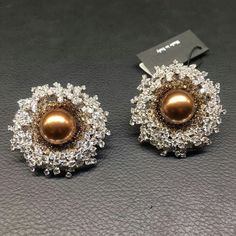 Love ar first sight with these Galaxy earrings. Bright Australian pearls in a snug of brown and white diamonds embrace. @palmierojewellery #highjewelry #jewelry #earrings #madeinitaly #diamonds #australianpearls