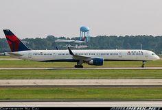 Delta Air Lines Boeing 757-351