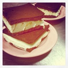 So not exactly a but these handmade ice cream sandwiches are perfect for from Brown Betty Dessert Boutique & Taharka Bros Butter Pecan Ice Cream Recipe, Bourbon Ice Cream, Ice Cream Recipes, Cooking With Bourbon, Delicious Desserts, Yummy Food, Brown Betty, American Desserts, Ice Cream Treats
