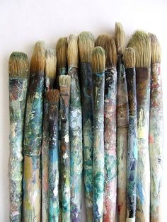 this is how mi brushes look like!!