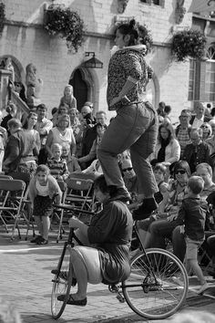 https://flic.kr/p/Bp3osx | BoulevArt Dendermonde 2015 - Compagnie RasOterrA - 21 | Pictures taken by Björn Roose: streetphotography.