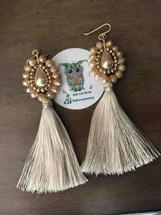 Anyone Can Choose Beautiful Jewelry For A Loved One Tassel Earing, Tassel Jewelry, Wire Jewelry, Jewelry Crafts, Beaded Jewelry, Jewelery, Handmade Jewelry, Jewelry Trends, Jewelry Accessories