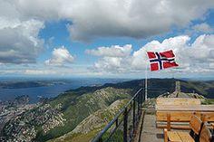 Bergen - Ulriken to Flyen (Robert Charman) Tags: norway bergen ulriken norwegianflag flyen
