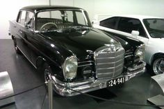 Mercedes-Benz 220 SEb (assembled by AMI) Mercedes Benz 220, Speed Racer, Exotic Cars, Engineering, Auto Motor, Vehicles, Motors, Australia, Mechanical Engineering