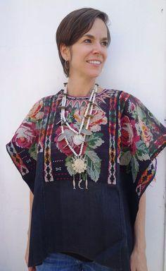 Maya Woman's Ethnic Vintage Floral Huipil from Chichicastenango, Guatemala #Poncho