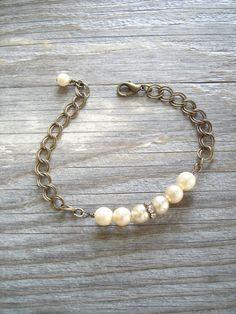 Vintage Pearl Bracelet. Shabby Bohemian Glass Champagne Pearls, Rhinestones, Antiqued Brass Chain. Beaded Charm Bracelet. Eco Friendly Gift.