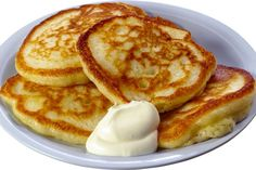 Homemade pancakes with sour cream Food Png, Good Food, Yummy Food, Homemade Pancakes, Russian Recipes, Healthy Sweets, Kefir, Fritters, No Cook Meals
