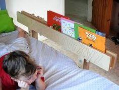 Resultado de imagen para barandas de madera altas para camas