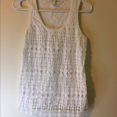 White tank top White tank top with patterned cover. Very elegant and classy. Only worn once and is in good condition. Please buy! Forever 21 Tops Tank Tops