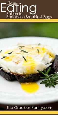 Baked Eggs on Balsamic Portobello Mushrooms #Breakfast