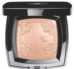 CHANEL Mouche de Beauté Illuminating Powder; a gorgeous rose gold shade!