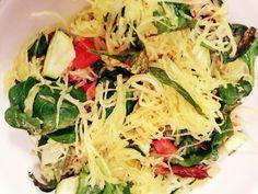 Spaghetti Squash Bake Vegan Main Dishes, Healthy Side Dishes, Healthy Eating Recipes, Healthy Meals, Vegetarian Recipes, Fast Recipes, New Recipes, Whole Food Recipes
