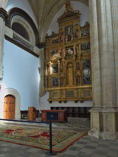 Colegio del Arzobispo Fonseca Fonseca (Salamanca). Retablo - Category:Altarpieces by Alonso Berruguete — Wikimedia Commons