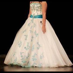 Spotted while shopping on Poshmark: ‼️FLASH SALE‼️BEAUTIFUL Cinderella gown! #poshmark #fashion #shopping #style #Dresses