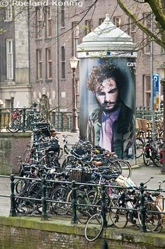 Amsterdam, Prinsengracht, The Netherlands. Visit www.shop.holland.com for books about the Dutch and their bikes