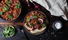 Denne høstgryten lager du enkelt og smaker himmelsk! Poke Bowl, Fish And Chips, Palak Paneer, Chana Masala, Acai Bowl, Lamb, Good Food, Breakfast, Ethnic Recipes