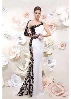 vestido-noiva-festa-branco-renda-preta-aberto-lateral-manga-longa-um-ombro-so-noiva-importada2(1).jpg