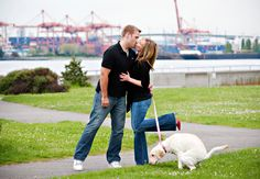 Hilarious Engagement Photo w/ the dog Bahahaha
