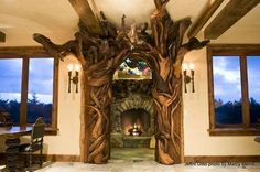 An incredible driftwood archway sculpture. Driftwood Sculpture, Art Sculpture, Driftwood Art, Driftwood Ideas, Knock On Wood, Giant Animals, Driftwood Furniture, Log Furniture, Furniture Projects