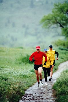 10 Tips for Running in the Rain: Don't Overdress #NUMarathon 2014 #runitintherain