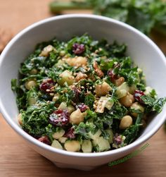 Kale and chickpeas salad Healthy Recepies, Vegan Lunch Recipes, Easy Salad Recipes, Vegetarian Dinners, Easy Salads, Healthy Salads, Healthy Cooking, Healthy Eating, How To Cook Kale