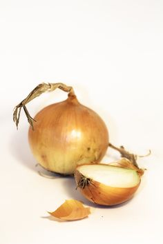 Free Image on Pixabay - Onion, Food, Vegetable, Onions Free Pictures, Free Images, Life Paint, Vegetables, Onions, Food, Garlic, School, Onion