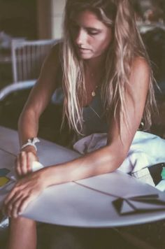 summer surf surfboard volcom surfer surfer girl pro surfer surf girl surf blog quincy davis gurfer Bini
