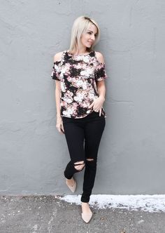 Perfect spring look, floral cold shoulder top, distressed denim, nude flats, blogger outfit