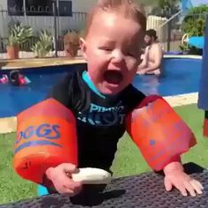 Funny Videos For Kids, Cute Baby Videos, Funny Animal Videos, Kids Videos, Videos Funny, Funny Animals, Cute Funny Babies, Funny Kids, Funny Cute
