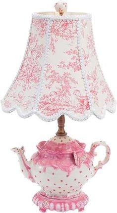 Adorable lamp idea in toile de Jouy Style Shabby Chic, Vintage Shabby Chic, Vintage Style, Shabby Chic Bedrooms, Shabby Chic Furniture, Teapot Lamp, Pink Teapot, Tea Cup Lamp, Deco Originale