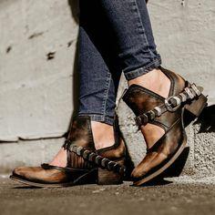 f3a9e2c4c44 Our weapon of choice... the BLADE 🗡  FreebirdObsession  Shoeshighheels