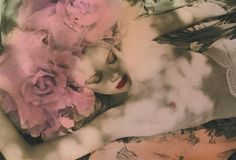Ellen Rogers is a London based fashion photographer.    http://ellenrogers.co.uk/
