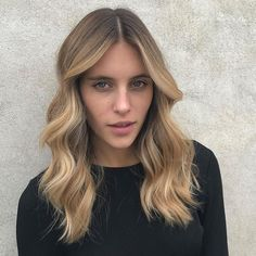 From #BrunetteToBlonde!  Lightening things up for this beauty @dana_lopez_ with this beautiful colour by @jaye_edwardsandco _ and styling by @charlie_edwardsandcoon set this week with @tommydevy. Video coming soon! #edwardsandco #edwardsandcoalexandria