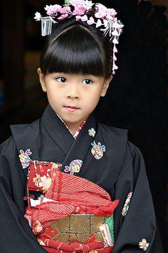 Mahochan By: Jan Rinke- Little Geisha in training Precious Children, Beautiful Children, Beautiful Babies, Beautiful World, Beautiful People, Kids Around The World, We Are The World, People Around The World, Around The Worlds